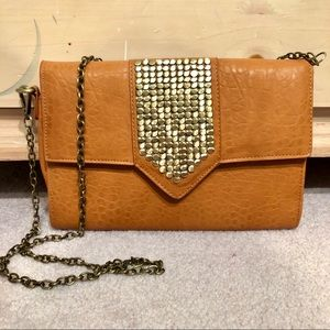 Stylish purse with gold accents